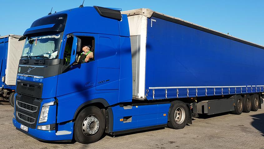 BACO Logistic - Duesseldorf - Kontraktlogistik - Lager - Transport - Service - Fahrer im Lkw